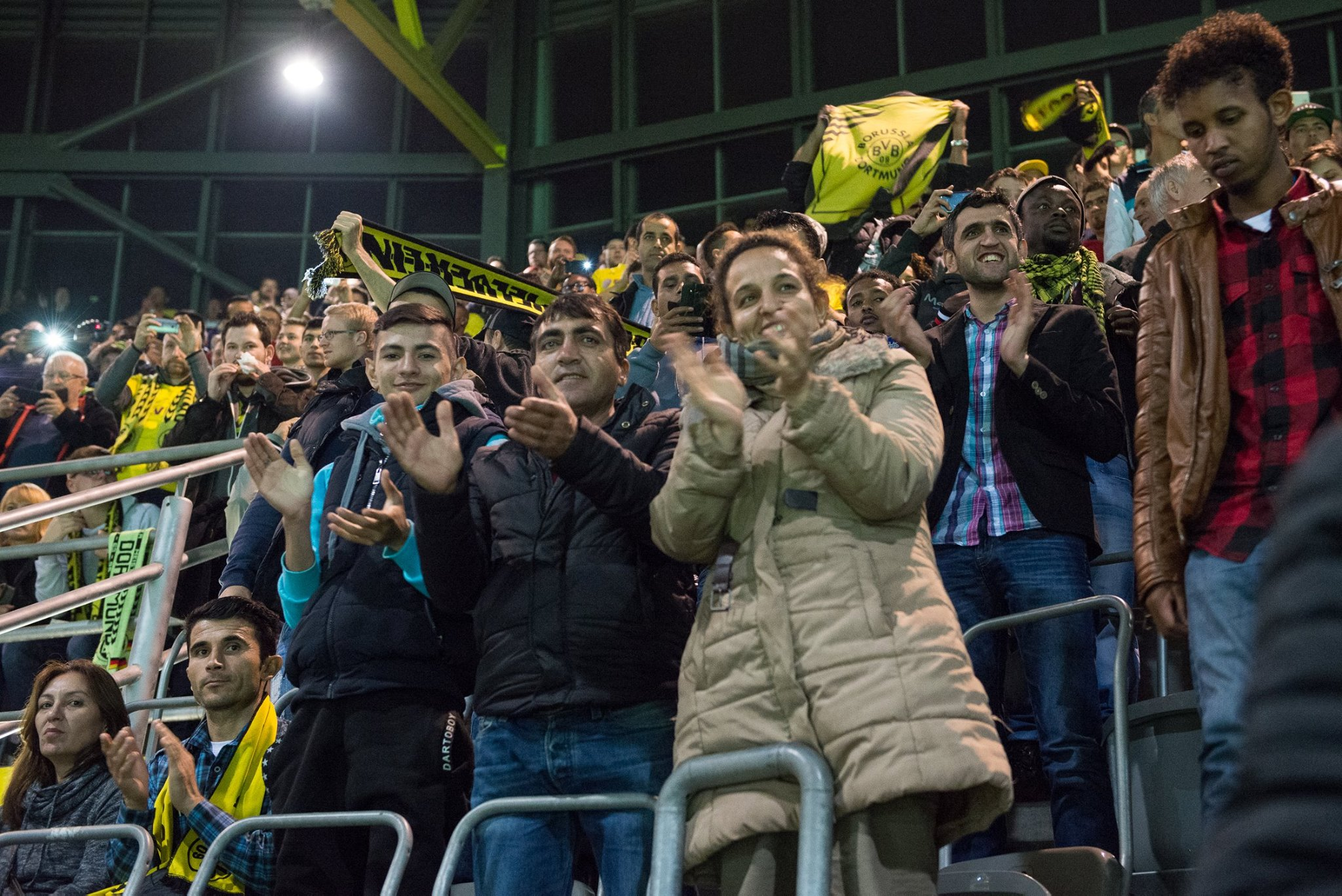 """Besuch eines BVB-Spiels 2015 (Unterstützt durch die \""""leuchte auf\""""-Stiftung)"""